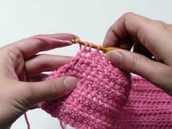Difference between Knitting and Crocheting Knitting vs Crocheting