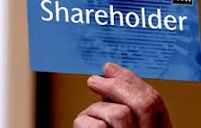 distinguish between shareholder and stakeholder in In short, total stakeholder maximization can be hard to achieve as a profit and earning for a group of the stakeholder (shareholder) can sometime be the disadvantage and loss of another group of stakeholder (group other than shareholder) or vice-versa.