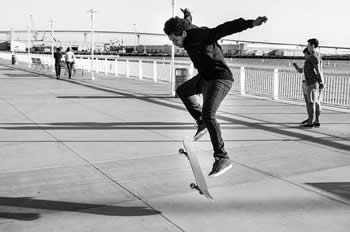 The Kick Flip Was Invented By Mullen In Year 1982 His Florida Farmhouse It Is One Of Most Basic Tricks That A Rider Learns Skateboarding